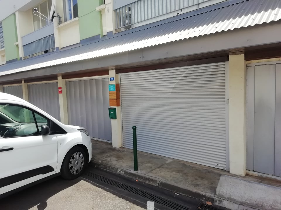 location local-commercial ST DENIS